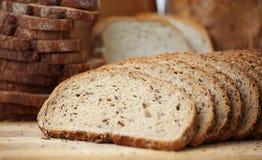 做面包的粮谷被切的全部 免版税库存图片