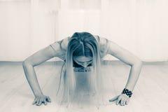 做锻炼的健身妇女 库存照片