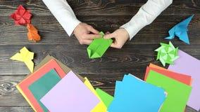 做origami形象的手 股票录像