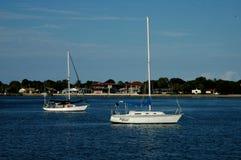 停住的两条风船 免版税库存图片