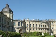停放一部分的Gatchina的一个皇家宫殿 免版税库存照片