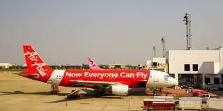 停放在曼德勒国际机场的民用飞机 免版税库存图片