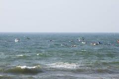 停放在海的汽艇 免版税库存照片