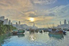 停放在铜锣湾台风的小船 免版税库存照片
