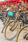 停放的人力车线,北京,中国 免版税库存图片
