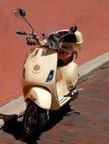 停放的小型摩托车 免版税库存图片