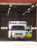 停放的救护车 免版税图库摄影