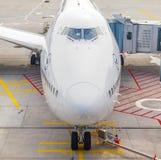 停放的汉莎航空公司747飞机  库存图片