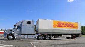 停放的灰色半Mack视觉卡车 库存照片
