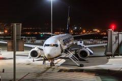 停放的瑞安航空公司喷气机 库存照片