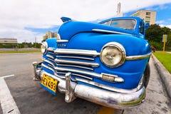 停放的美国美丽汽车哈瓦那老 图库摄影