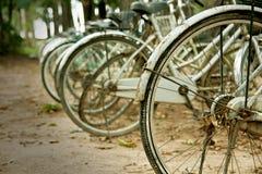 停放的自行车 免版税库存照片