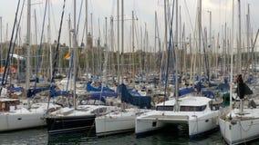 停放的船,小船,在港巴塞罗那,西班牙Vell的游艇  影视素材