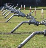 停机阀长的系列关闭的管子在大 免版税库存图片