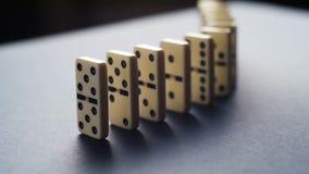 停止企业解答、战略和成功的干预的多米诺作用概念 股票视频