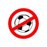 停止橄榄球 被禁止的成队比赛 红色禁止标志 交叉 库存图片