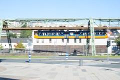 停止铁路, Schwebebahn伍伯托,德国 库存图片