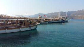 停泊与游艇在爱琴海在土耳其 库存图片