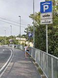 停车场在旅游镇皮兰,斯洛文尼亚 免版税库存图片