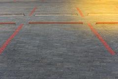 停车场油漆的红线块在路 库存照片