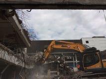 停车场的爆破望春风的普利茅斯 库存图片