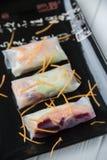 健康与菜、鱼和米线的快餐亚洲春卷 库存照片