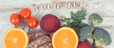 健康产品当来源叶酸、矿物、维生素B9和纤维,滋补吃概念 免版税图库摄影