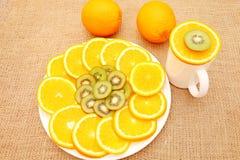 健康关心的果子,说明假日桌 库存图片