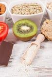 健康吃当来源褪黑素和色氨酸 失眠问题的最佳的食物 免版税库存照片
