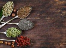 健康吃成份超级食物 库存图片
