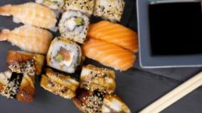 健康和可口寿司卷的品种混合 影视素材