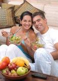健康夫妇的食物 库存图片
