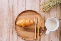 健康恋人妇女早餐  免版税库存照片