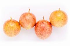健康新鲜的西番莲果和刷新 免版税库存图片