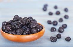 健康未加工的干蓝莓 库存照片