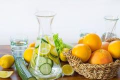 健康柠檬和橙色柠檬水 图库摄影