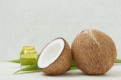 健康椰子油,热带,秀丽温泉概念-接近  库存照片
