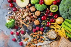 健康浓纤维来源素食主义者食物的选择烹调的 库存图片