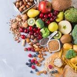 健康浓纤维来源素食主义者食物的选择烹调的 免版税库存照片