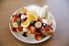 健康甜水果沙拉 库存图片