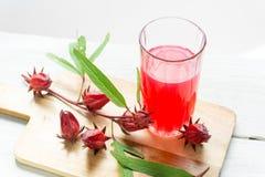 健康的Roselle汁液 身体好的一份饮料 免版税图库摄影