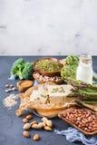 健康素食主义者蛋白质来源和健美食物的分类 免版税库存图片