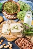 健康素食主义者蛋白质来源和健美食物的分类 免版税库存照片