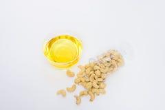 健康腰果,橄榄油 免版税库存图片