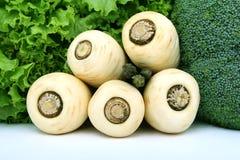 健康莴苣、芦笋和空白欧洲防风草蔬菜 免版税库存图片