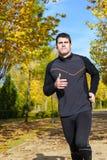 健康赛跑者在公园 免版税图库摄影