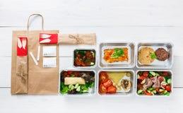 健康食物交付,每日饭食顶视图,拷贝空间 库存图片