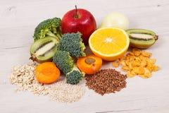 健康食物当来源维生素页和B3,饮食纤维和自然矿物 免版税图库摄影