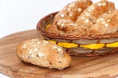 健康食物谷物种子缺一不可的面粉面包 图库摄影