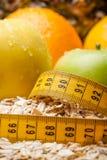 健康食物,在饮食的新鲜的有机果子 适当的营养 抽象背景 图库摄影